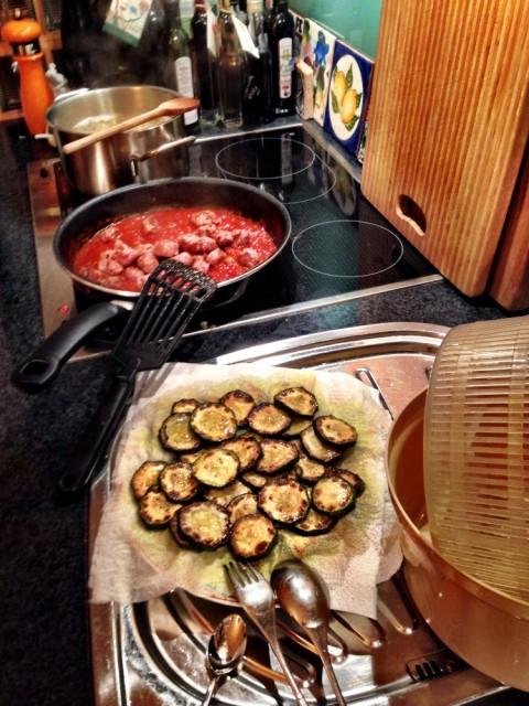 Spaghetti mit Salsiccia und Zucchini
